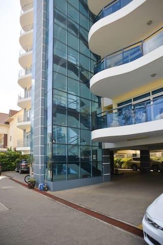 Nairobi Executive-Yaya Brooks
