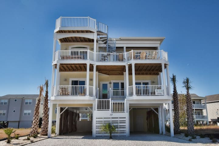 Tequila Sunrise, a handicap friendly Ocean Isle Beach property with a private pool and tiki bar. - Ocean Isle Beach - House