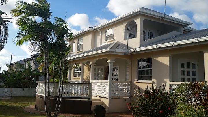 The Austin Estates - Entire house
