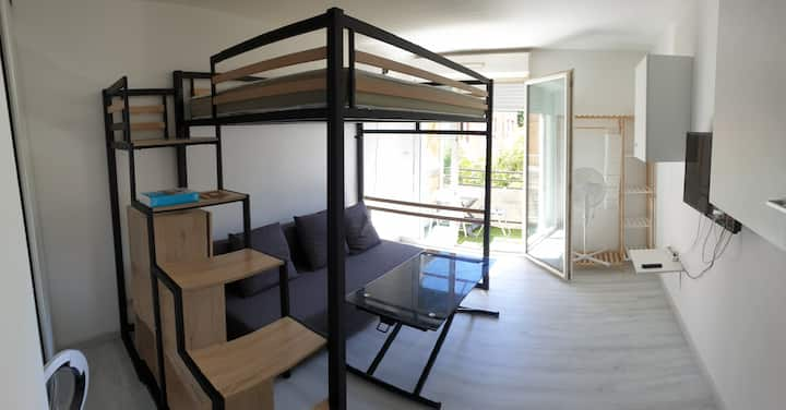 Le Pontet : studio 20m², balcon 4m², parking privé