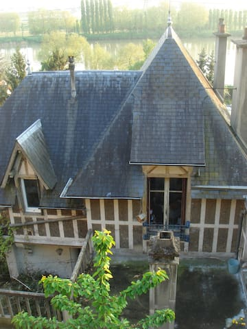 Chambre 15m2 avec vue sur jardin - La Frette-sur-Seine - Rumah