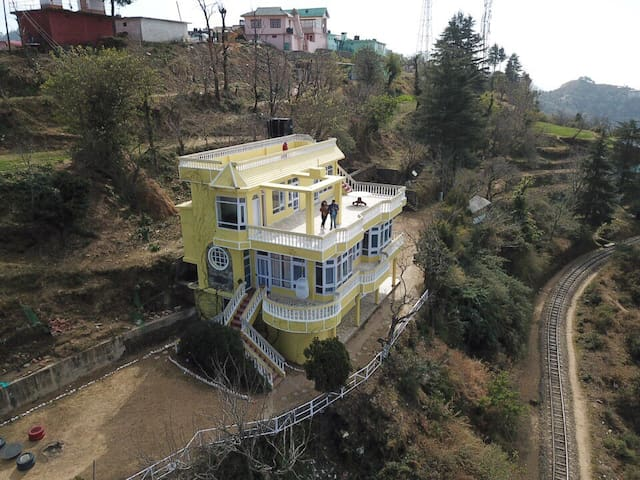 Eutopia Farms Shimla| Entire Bungalow | 6 Bedrooms