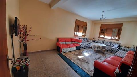 Appartement meublé propre avec wifi près du souk