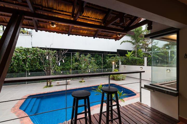 Rustic Derumun - Villa in Bukit Damansara KL