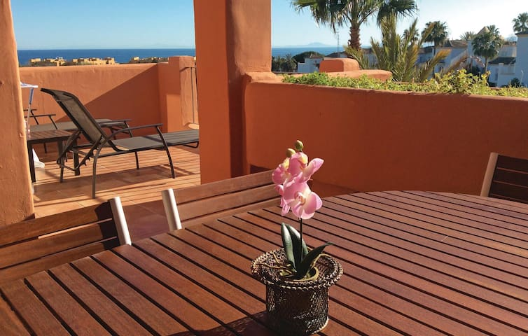 Holiday apartment with 2 bedrooms on 63m² in Estepona
