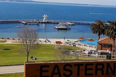 Hello Sunshine Waterfront Geelong
