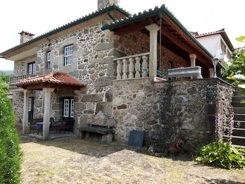 Rural House in Ponte de Lima - Calheiros