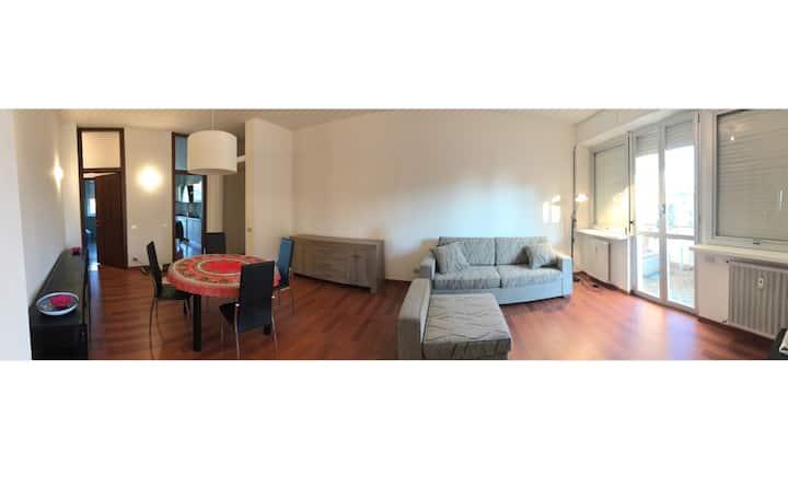 3 bedrooms apartment near LIUC University