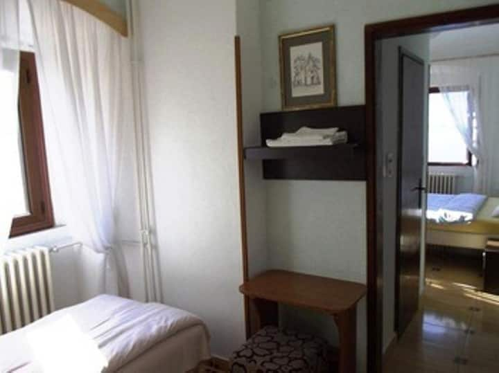 ROOMS-APARTAMENTS-STUDIO--PANA