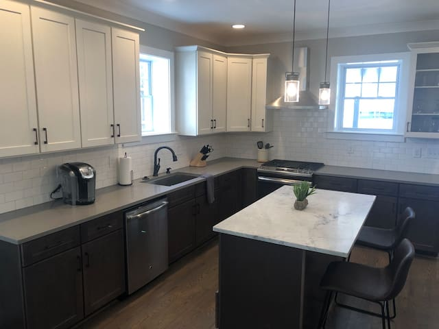Gorgeous Historic Dilworth Townhome