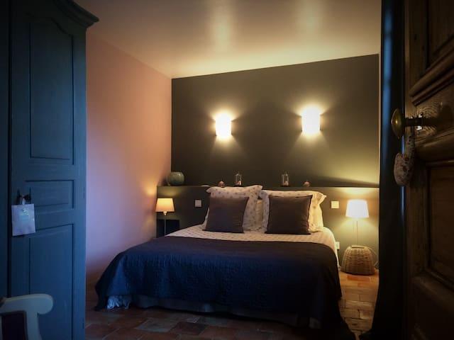 Chambre d'hôte au cœur de la Vallée des Rois - Montreuil-Bellay - Guesthouse