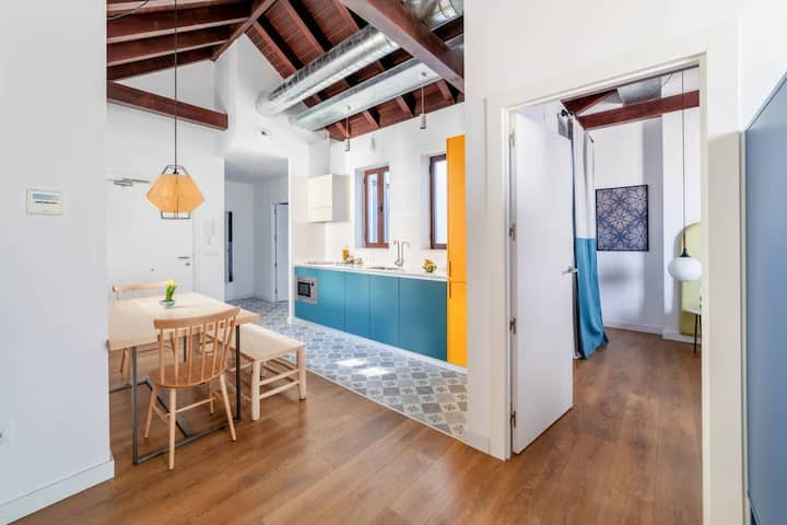 Gorgeous attic flat terrace in central GranadaMT