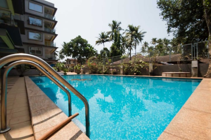 Cozy 2 bedroom apartment/pool/7 min candolim beach