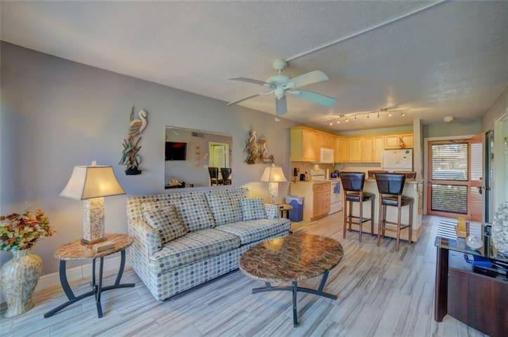 Ocean Village Resort - Renovated 1 Bedroom