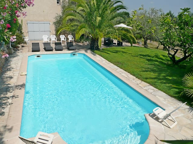 Appartement de Charme dans Propriété Provençale - Tourrettes - Apartament