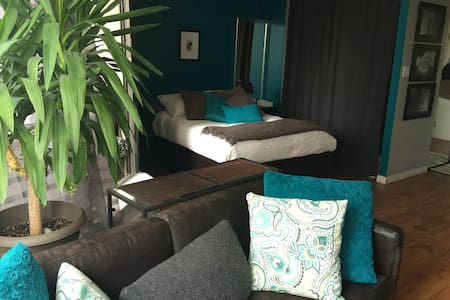 Amazing well located cozy suite - Vancouver - Appartamento