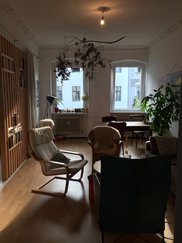 Spacious,  lovely decorated room in Mitte