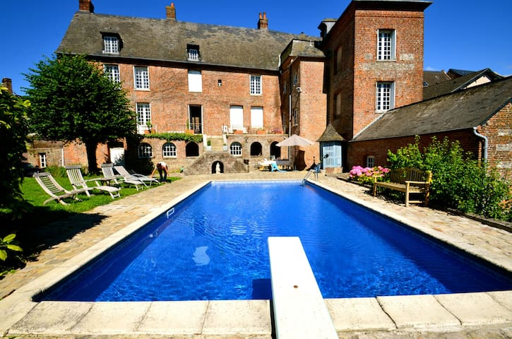 Gîte en Normandie avec piscine privée et chauffée