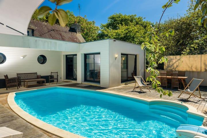Wunderschöne Villa in Plomeur mit privatem Swimmingpool