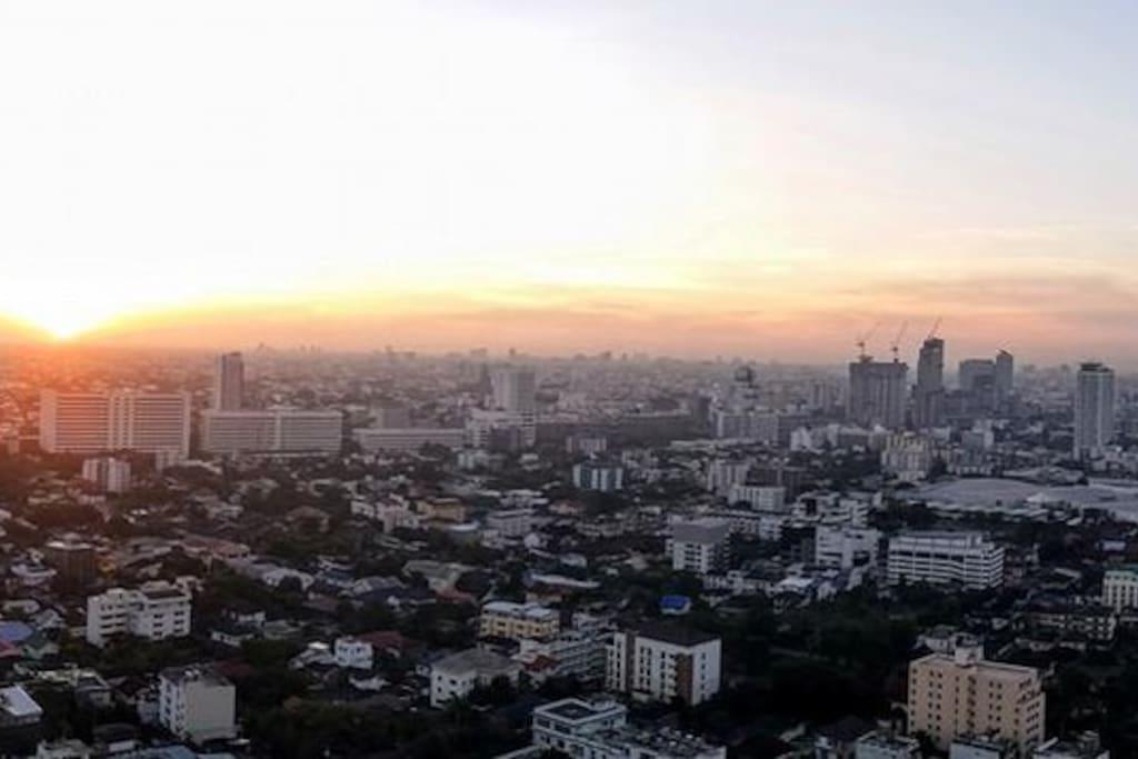 Sunrise on Bangkok's horizon.