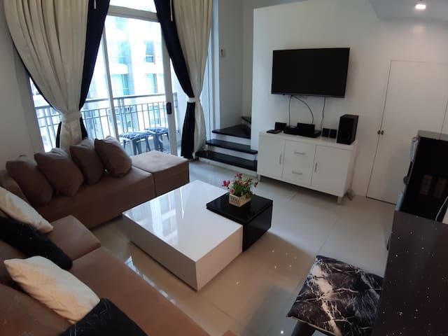 Luxurious Loft with Balcony in Cebu City