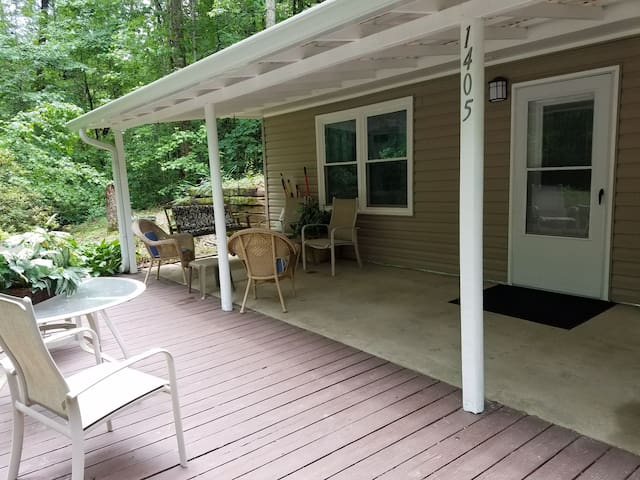 Secluded 3BR Home  near Braselton, Buford, Winder