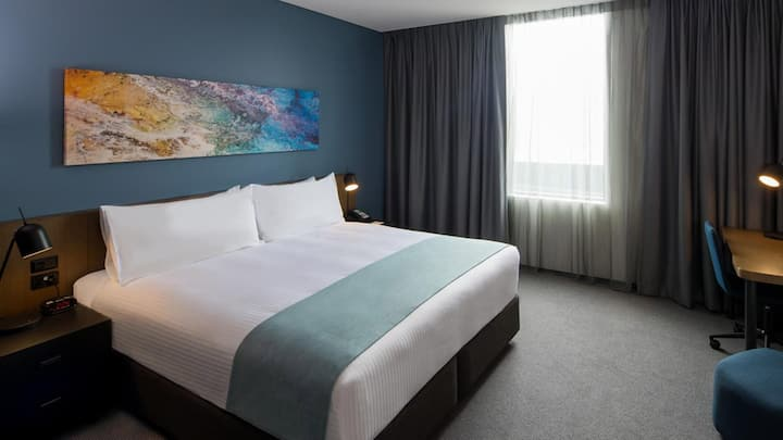 Spledid Double Bed At Liverpool