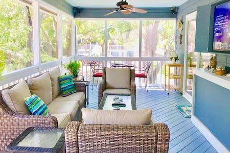 """Beach House on IOP """"Life of Sun, Sand & Sea"""""""