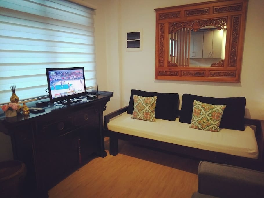 Daybed for extra guest with Abs cbn tv plus Led Tv..on a weekday feel #breathing space