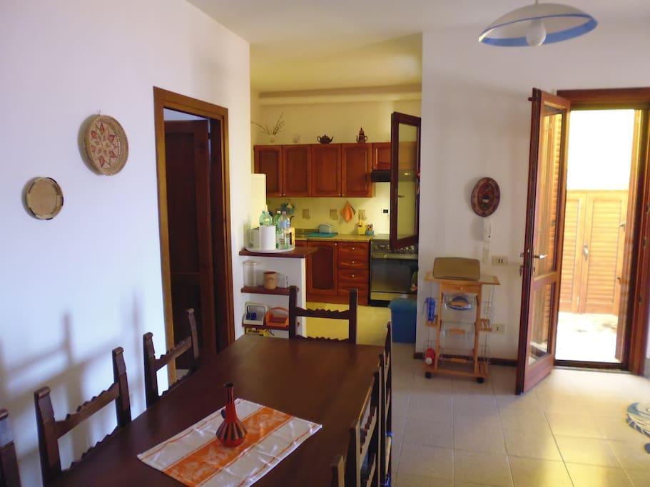 cucina abitabile (piano inferiore)