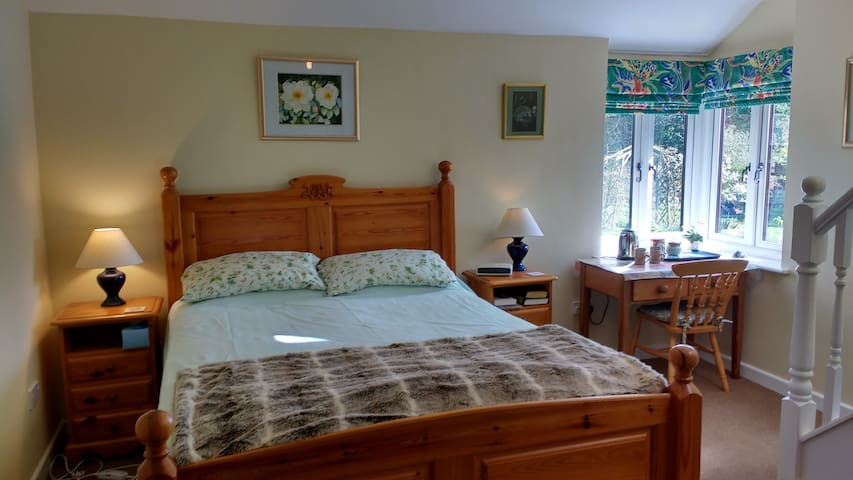 Heartsease B&B, Herefordshire, on Wye Valley Walk - Bishopstone - Bed & Breakfast