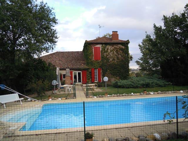 Ferme gasconne avec piscine - Maignaut-Tauzia