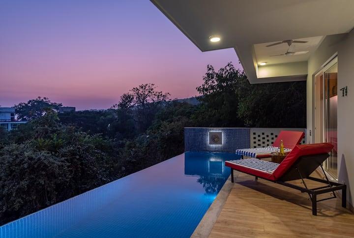 Luxurious 5BHK Villa With a Caretaker in Baga