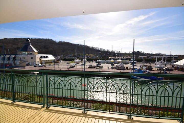 Appartement orienté sud vue sur estuaire et port - Dives-sur-Mer - Appartement en résidence