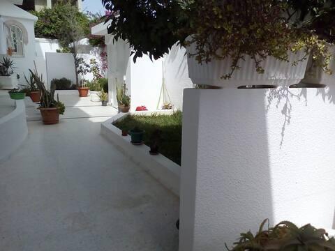 Joli logement privé dans une villa prés de la mer