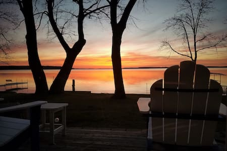 Sunset Cabin Awesome Lake Miltona  level beach lot