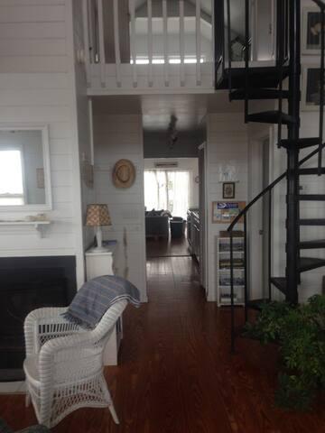 Living area - fireplace