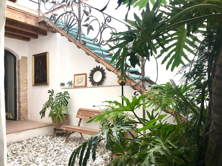 CASA DEL TEATRO Luxury Home in the Heart of Vejer
