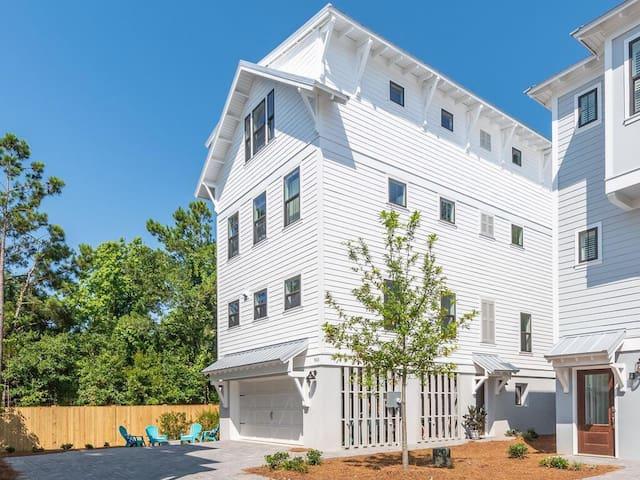 New Sullivan's Pointe Luxury beach home