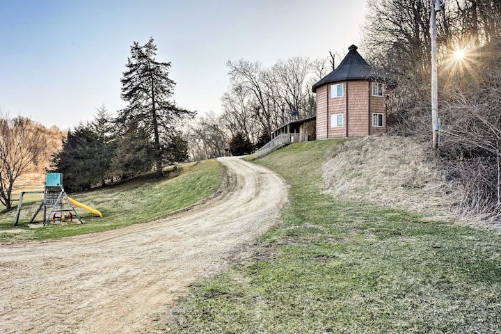 Hidden Cabin w/ 200 Acres ~10 Miles to State Park!
