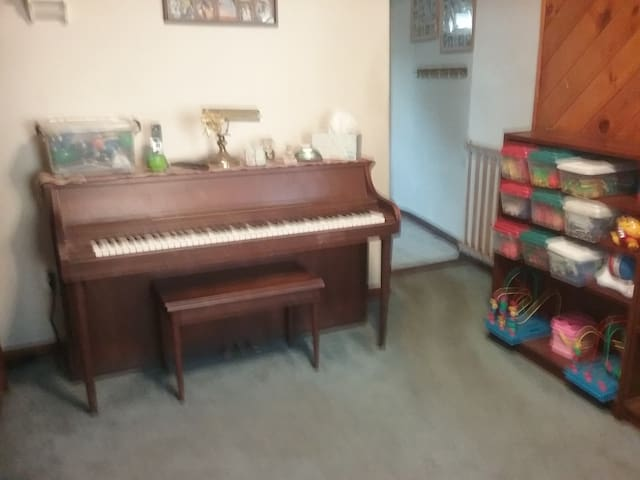 Play the piano anyone?