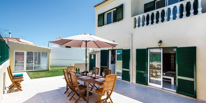 3 Bed House in Fuseta -  Garden &  Roof Terrace