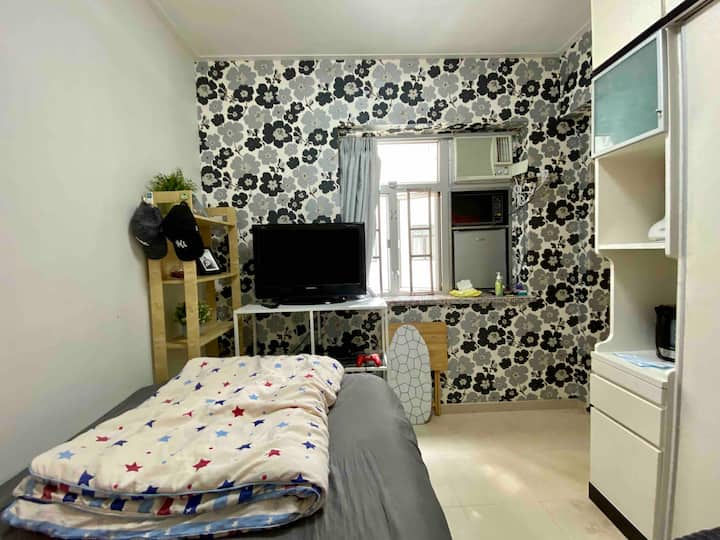 Fully equipped apartment, next to Causeway Bay MTR