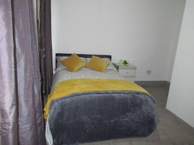 Superb En-Suite Double Bedrooms Available