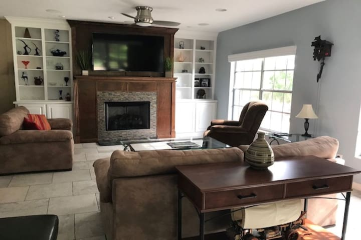 newly renovated 3 bd/2ba house, mins to Legoland