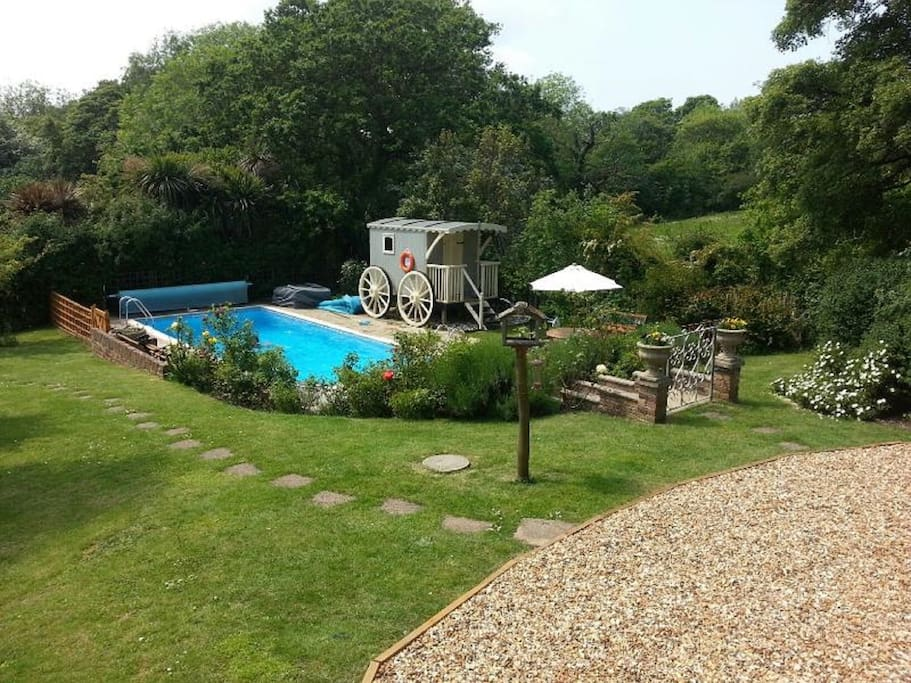 Guest have use of the owners 30' heated swimming pool