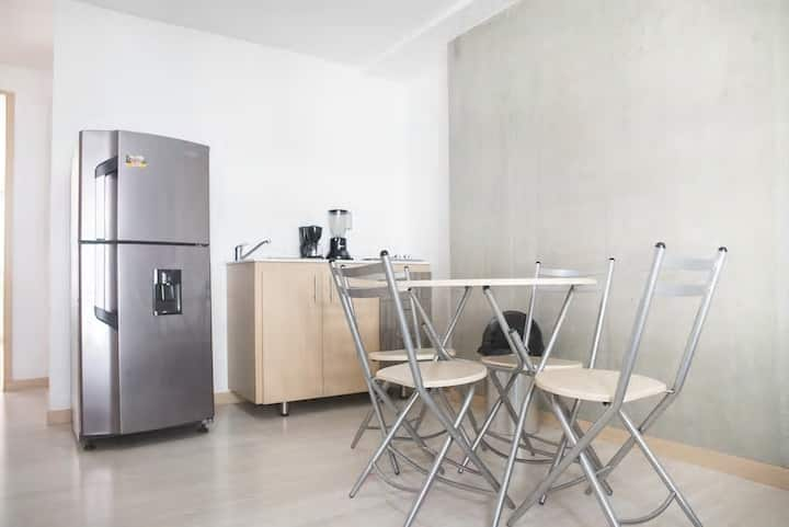 ★BEST PRICE★ Apartment with A/C located near 70