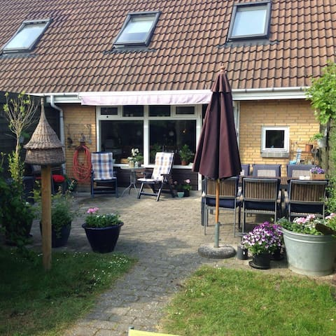 Townhouse near the beach and a half hour from CPH