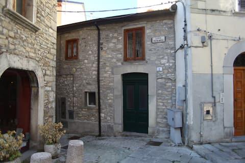 Casetta nel centro di Agnone (IS)