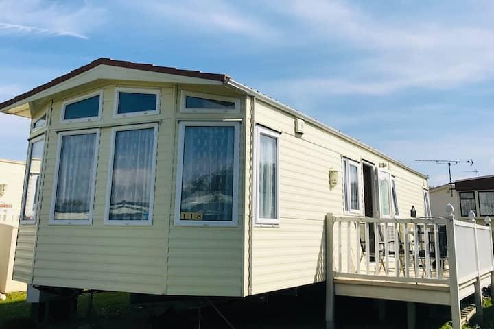 6-berth caravan in sunny Hunny (Hunstanton)